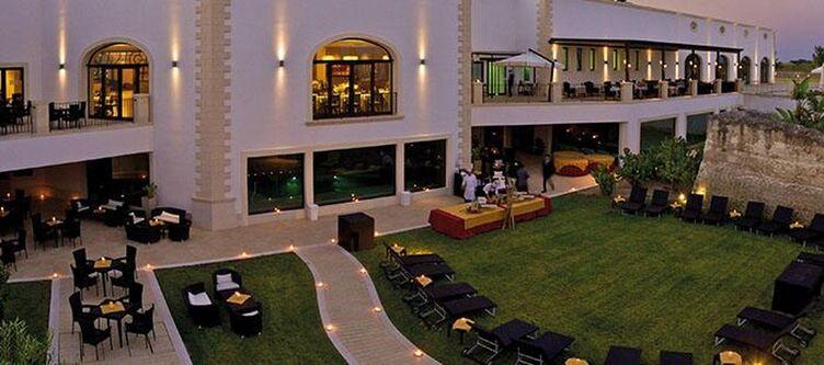 Acaya Hotel Abend