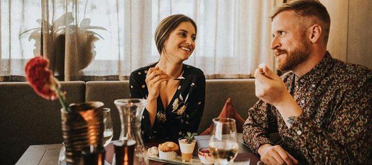 Adler Restaurant Paar