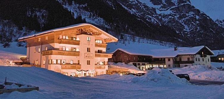 Alfaierhof Hotel Winter Abend2