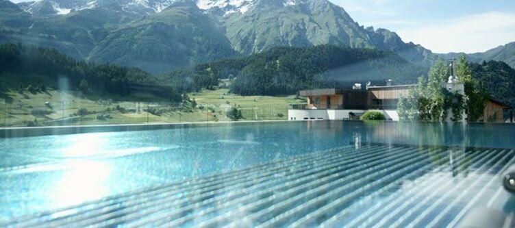 Almhof Pool