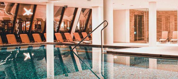 Alpenhaus Pool Aussen
