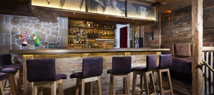 Alpenhof Bar