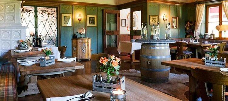Alpenhof Restaurant7