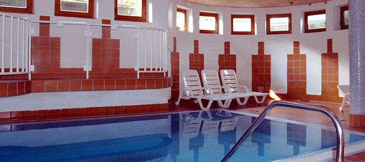 Alpenhotel Wellness Hallenbad2