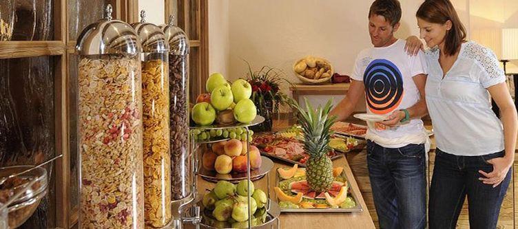 Alpenjuwelgarni Fruehstuecksbuffet