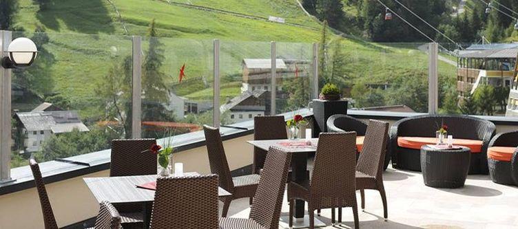 Alpenjuwelgarni Terrasse3
