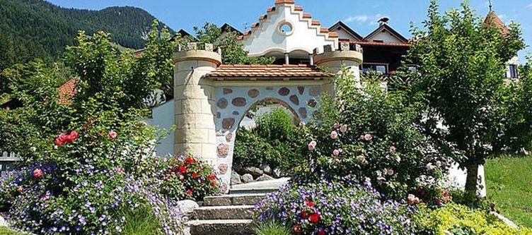Alpenschloessl Garten4