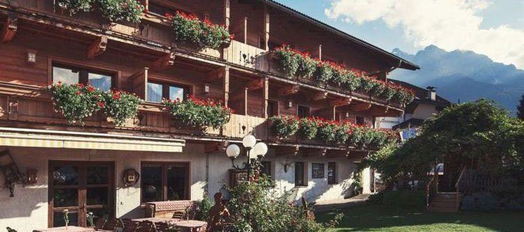 Alpenstolz Hotel