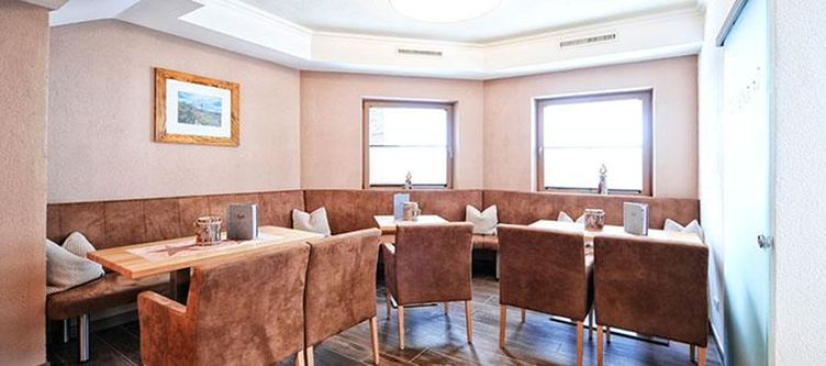 Alpetta Restaurant2