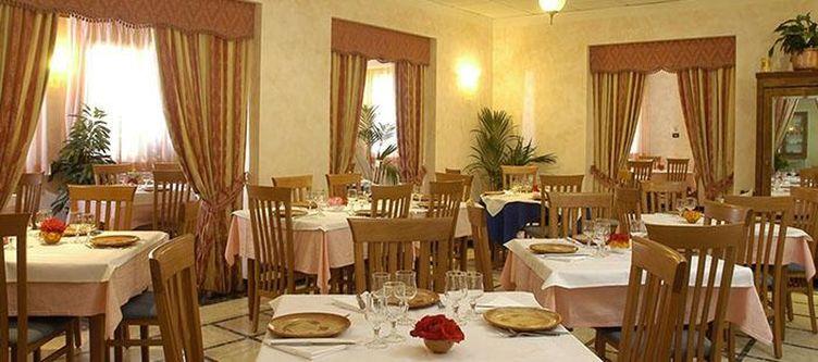 Alpoggio Restaurant