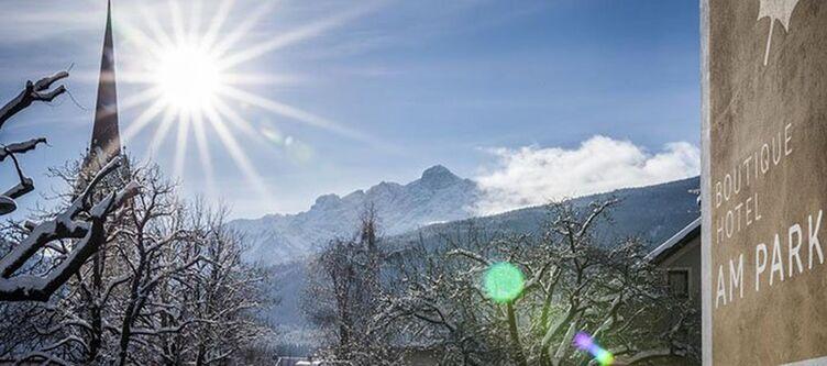 Ampark Blick Auf Berge2