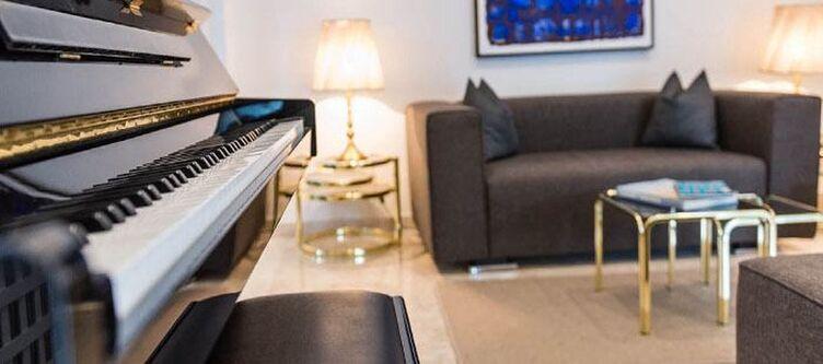 Ampark Lobby Klavier