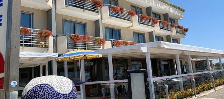 Ancora Hotel2