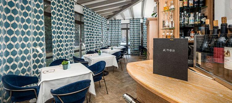 Anett Bar