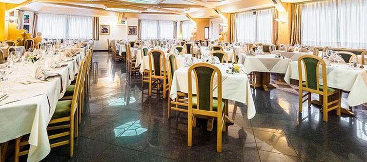 Anton Restaurant2