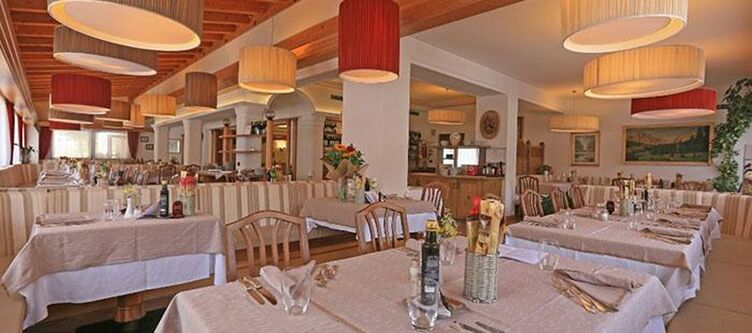 Astoria Restaurant4