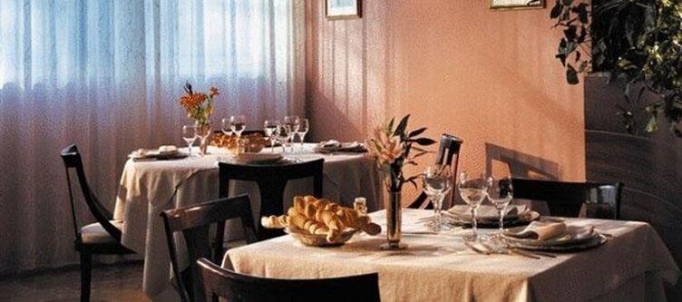 Astra Restaurant2
