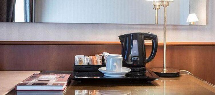 Astra Zimmer Elegance Tisch