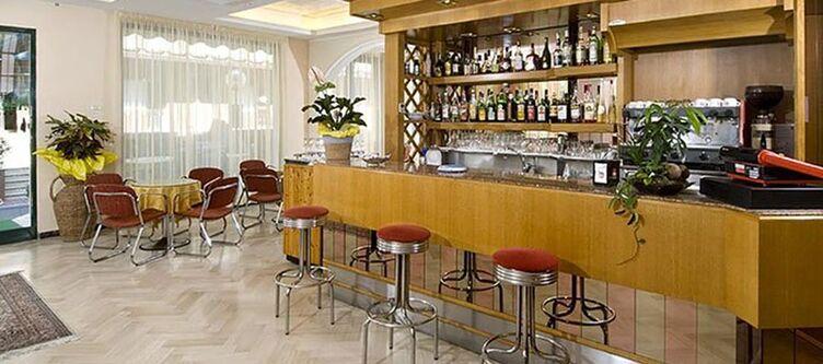 Athena Bar 1