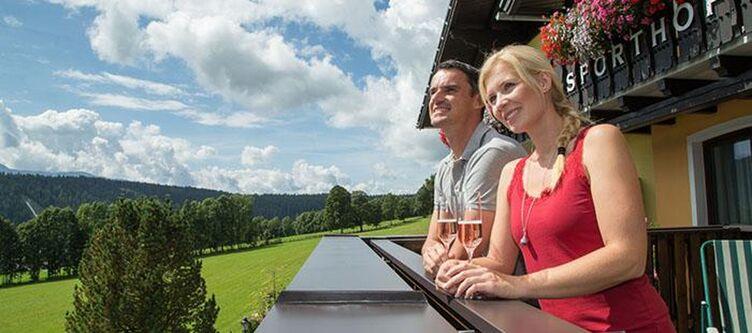 Austria Balkon Paar