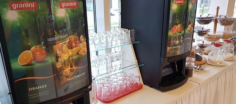 Aviva Fruehstuecksbuffet Saefte