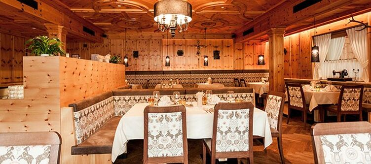 Badmoos Restaurant2