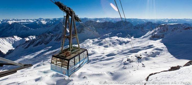 Bayrische Zugspitzbahn Bergbahn Panorama Winter