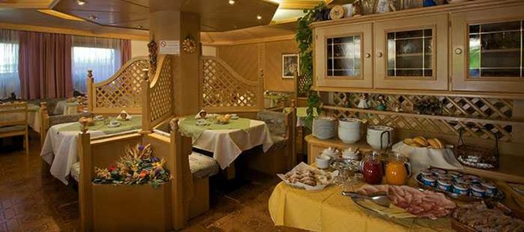 Bellaria Restaurant