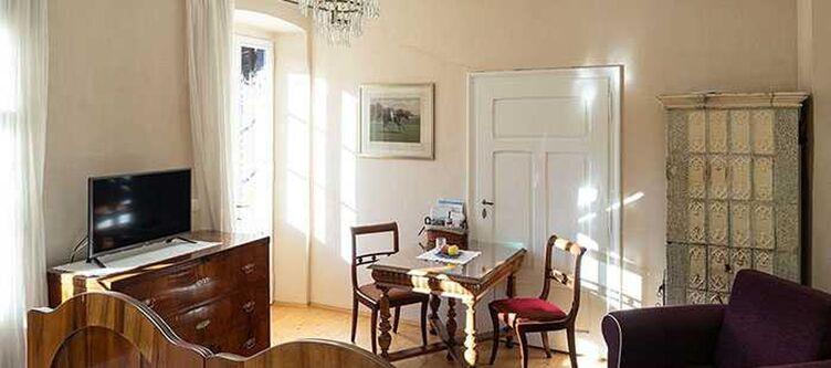 Bergmann Zimmer Moeser Suite Tisch