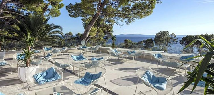 Berulia Terrasse Lounge