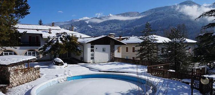 Bianco Pool Winter