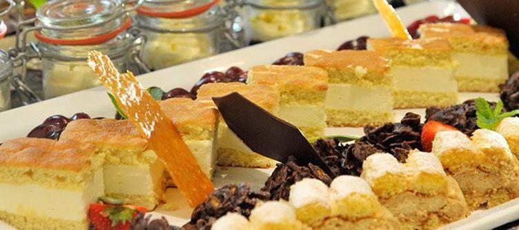 Bischofsmuetze Buffet Dessert