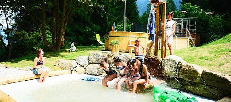 Bonetei Spielplatz Wasserstelle