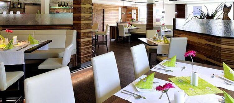 Bruderhofer Restaurant9