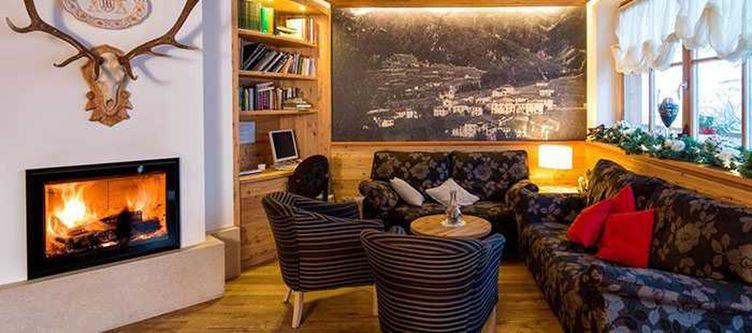 Brusago Lounge Kamin