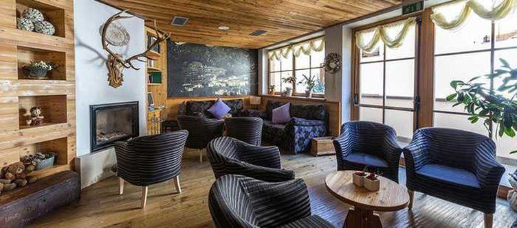 Brusago Lounge2