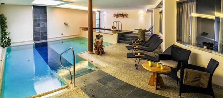 Brusago Wellness Hallenbad3