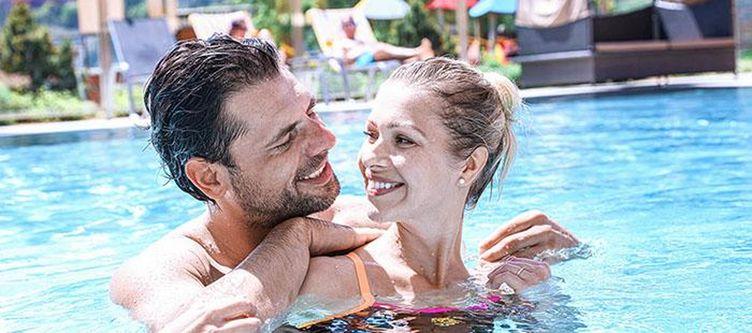Buchau Pool Paar
