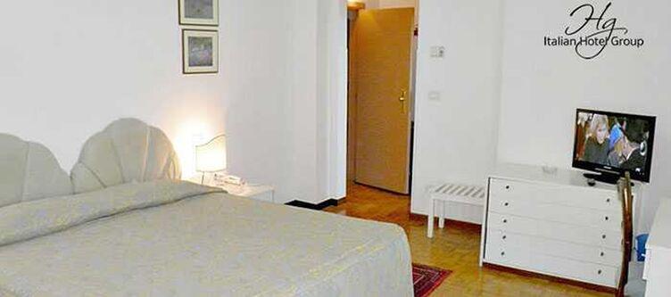 Capelli Zimmer Standard3