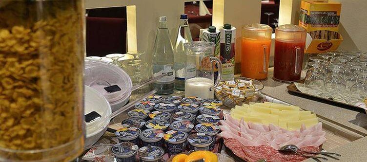 Cassana Fruehstuecksbuffet3
