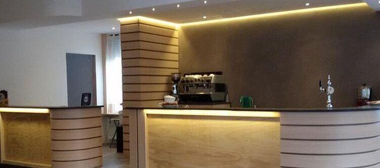 Castel Mani Bar