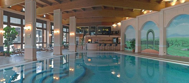 Cattoni Wellness Hallenbad