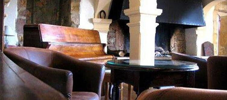 Chateau Lounge