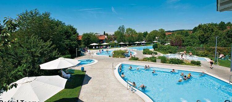Chrysantihof Pool