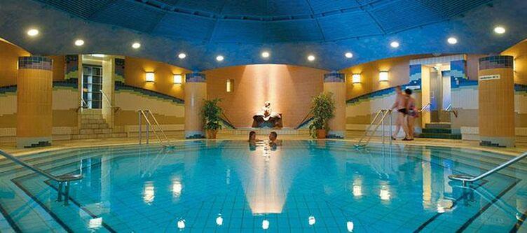 Chrysantihof Wellness Hallenbad2