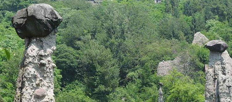 Concaverde Steinpyramiden