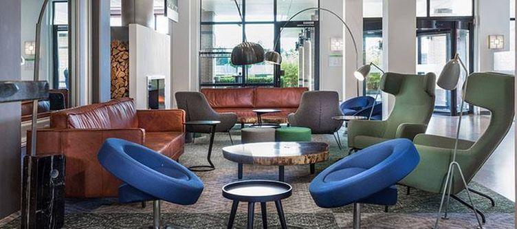 Countryard Lounge3