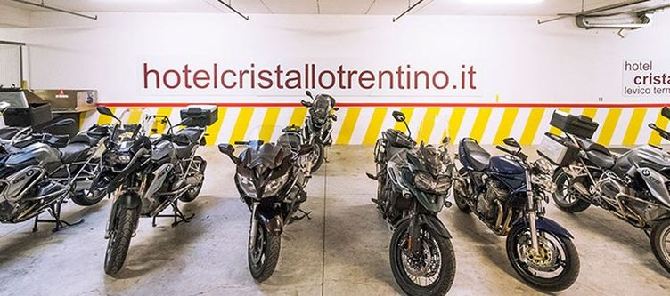 Cristallo Motorrad Garage