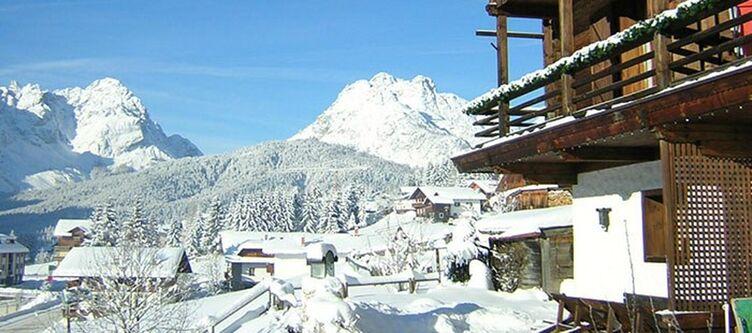 Cristina Hotel Winter2