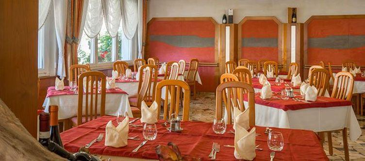 Daniela Restaurant2